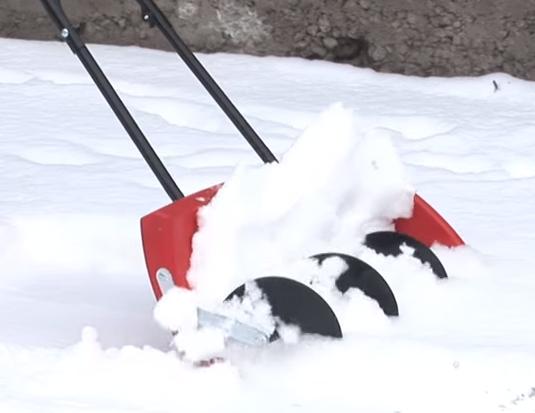 Принцип работы со шнеком для снега