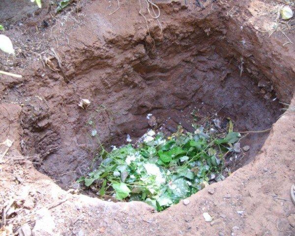 Глубина компостной ямы в грунте