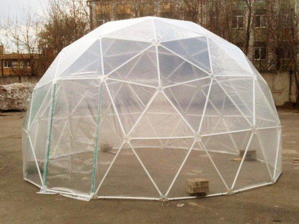 Сферическая форма теплицы из пластиковых труб