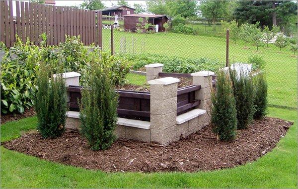Аккуратная постройка компостера для отходов