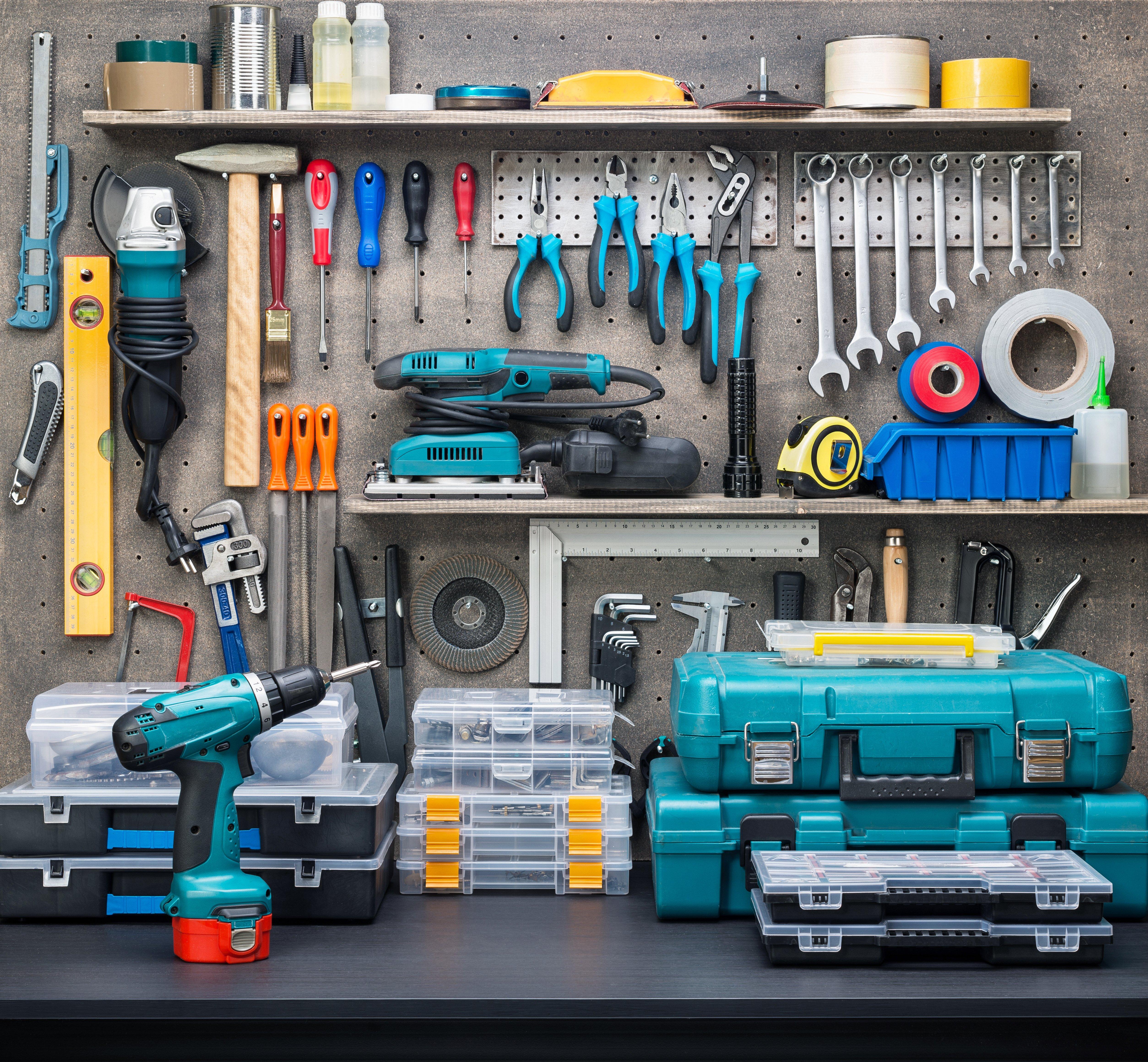 Набор инструментов в мастерской