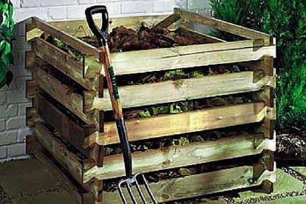 Ящик для компоста и вилы