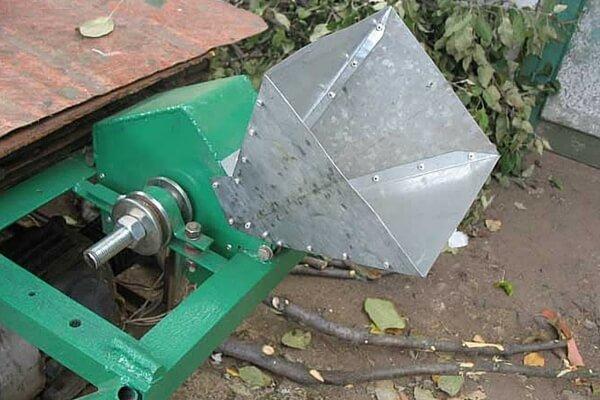 Самодельный электрический измельчитель веток