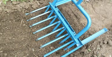 Как выглядят вилы для рыхления земли