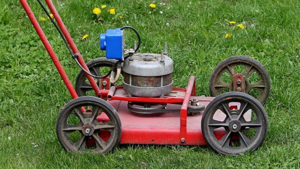 Как выглядит готовая самодельная газонокосилка