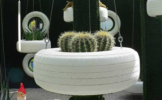 Подвесная клумба для различных растений