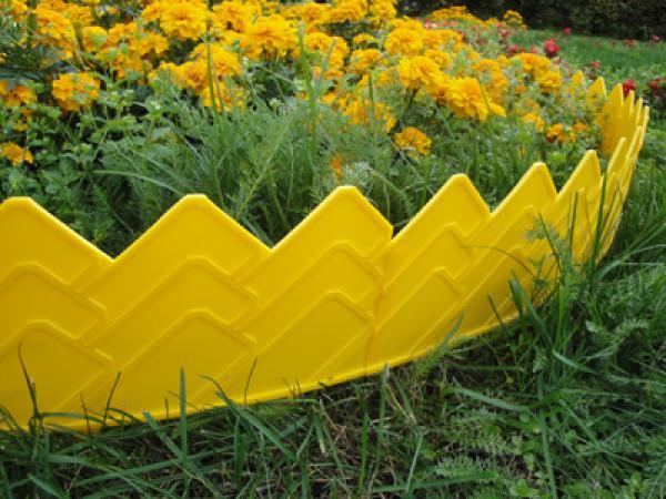 Заборчик из пластиковых плиточек
