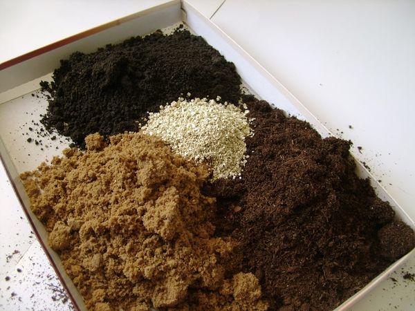 Смесь органической подкормки для баклажанов