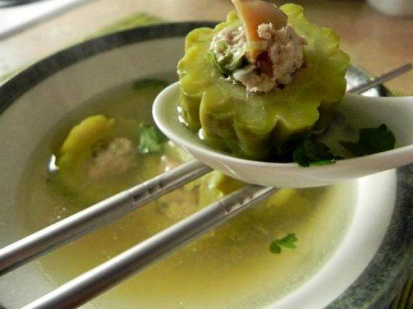 Приготовление супа из горькой дыни