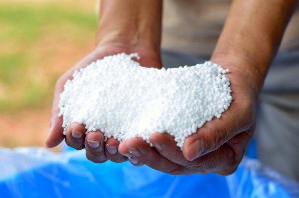 Баклажану нужно большое количество азотсодержащих удобрений