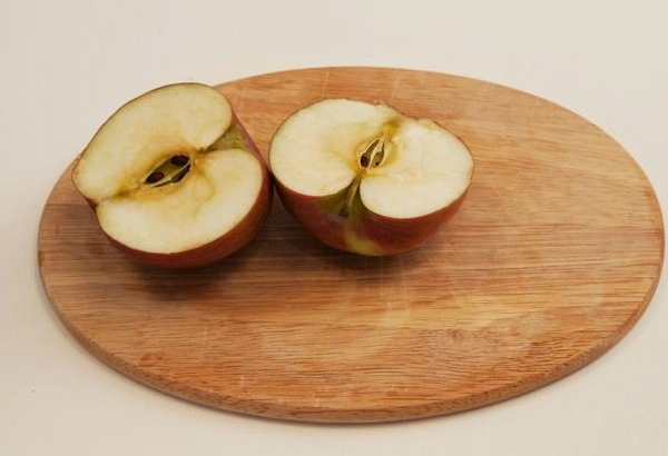 Вид яблока Орлик в разрезе