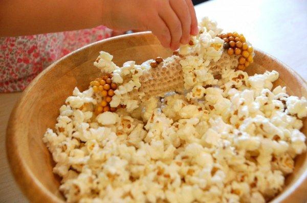 Лопающаяся кукуруза и попкорн