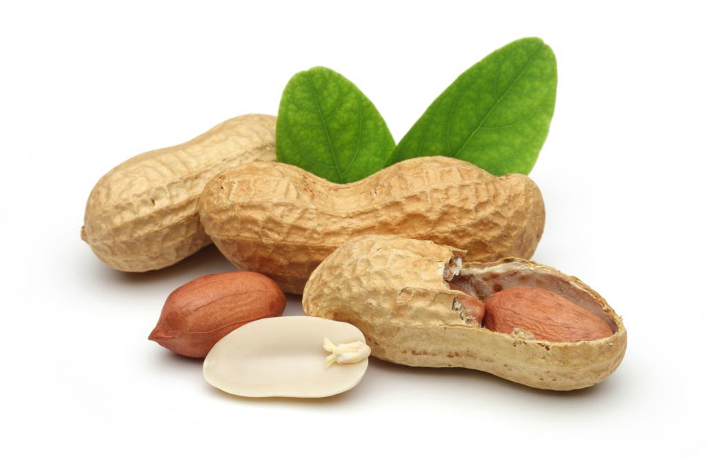 Орех арахис в скорлупе