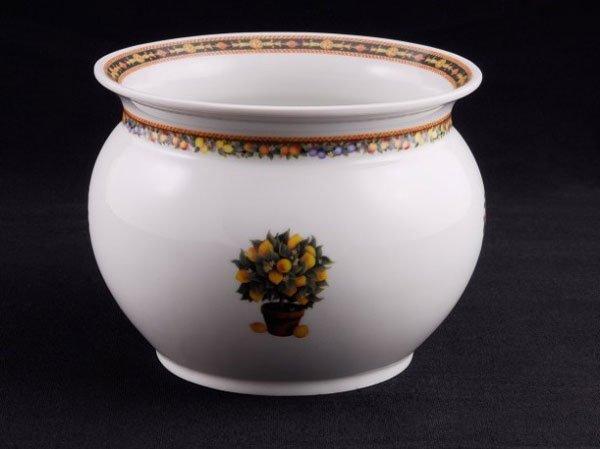 Декоративная ваза для цветочного горшка
