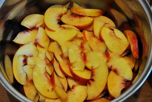Приготовление персикового варенья в мультиварке