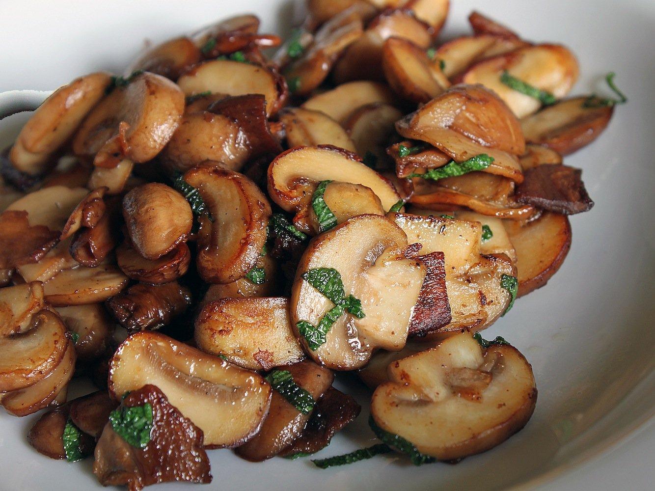 В грибы специи добавляют по вкусу