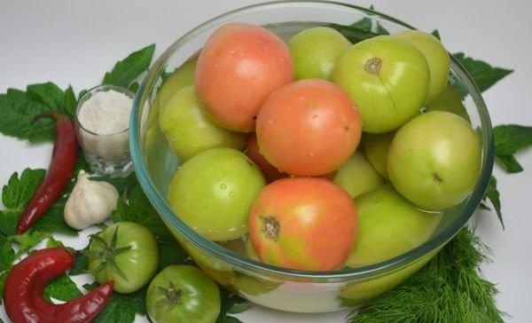 Для маринования берите свежие помидоры