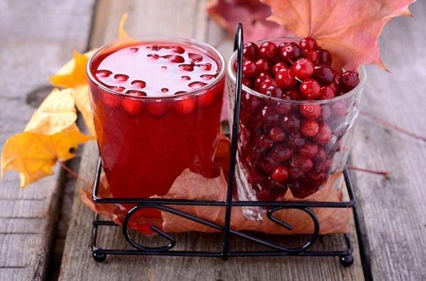 Брусничный напиток из замороженных ягод