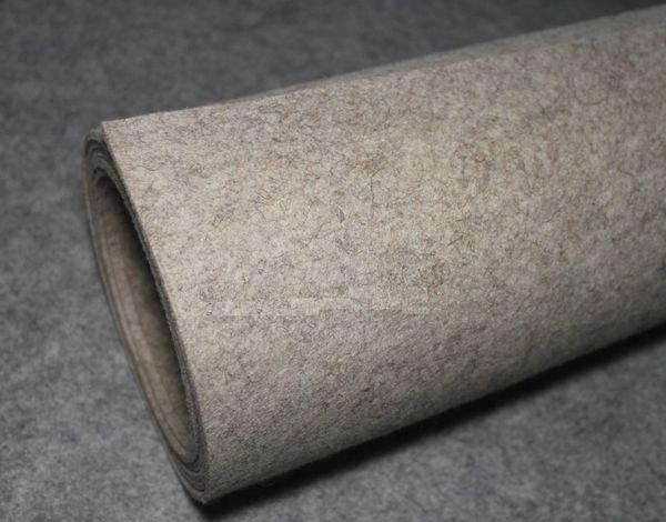 Войлок также используется для утепления собачьей конуры