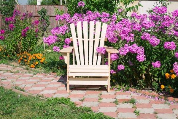 Садовое кресло можно сделать своими руками