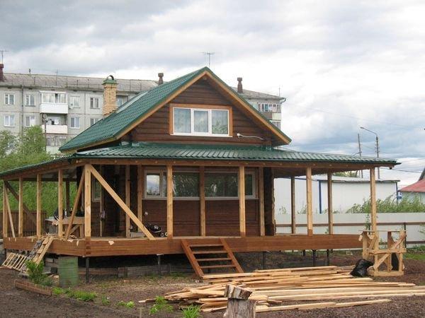 Пристроить веранду или террасу к дому можно своими руками