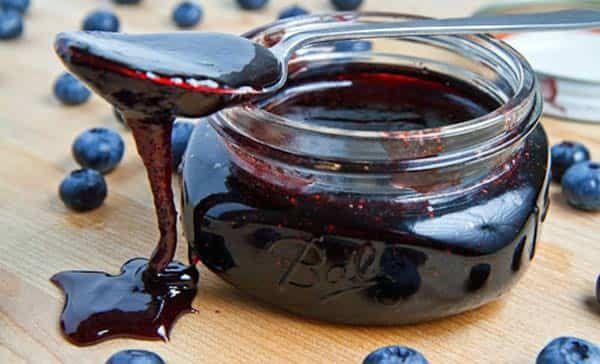 Десерт из черники можно приготовить в мультиварке