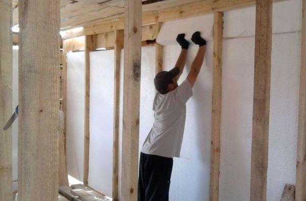 Пенопласт часто используют для утепления стен
