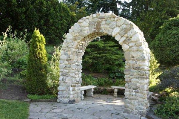 Каменная садовая арка