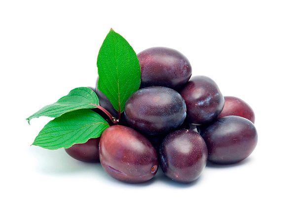 Слива - это ягода или фрукт. Полезные свойства сливы.